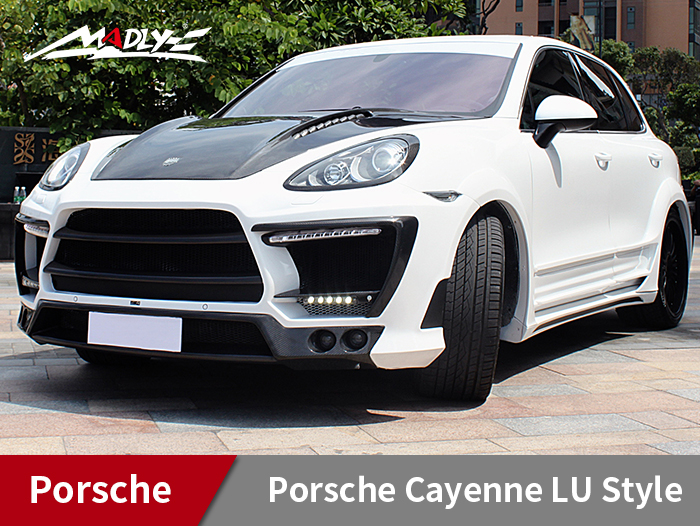2011-2014 Porsche Cayenne LU Style Wide Body Kits With Middle Three Hole Exhaust Tips